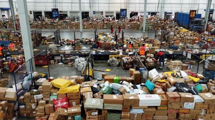 Tại sao hàng Trung Quốc lại trở thành cơn sốt mua sắm?