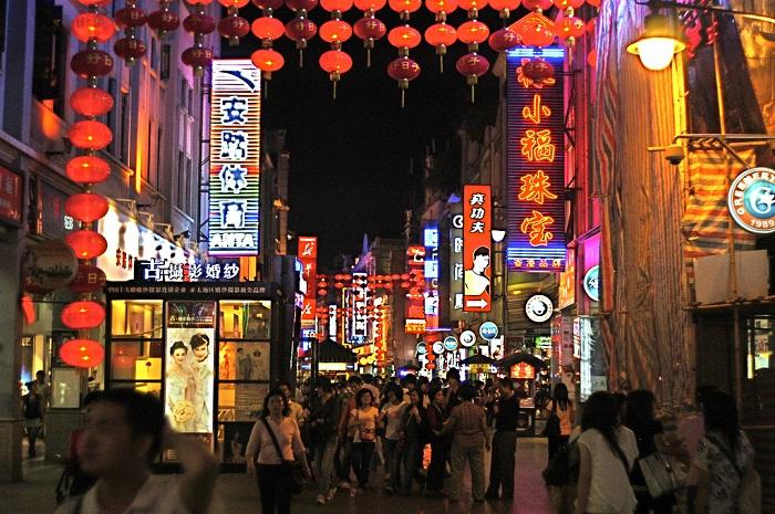 Quần áo từ Trung Quốclà sự lựa chọn hàng đầu của các thương nhân trong việc kinh doanh