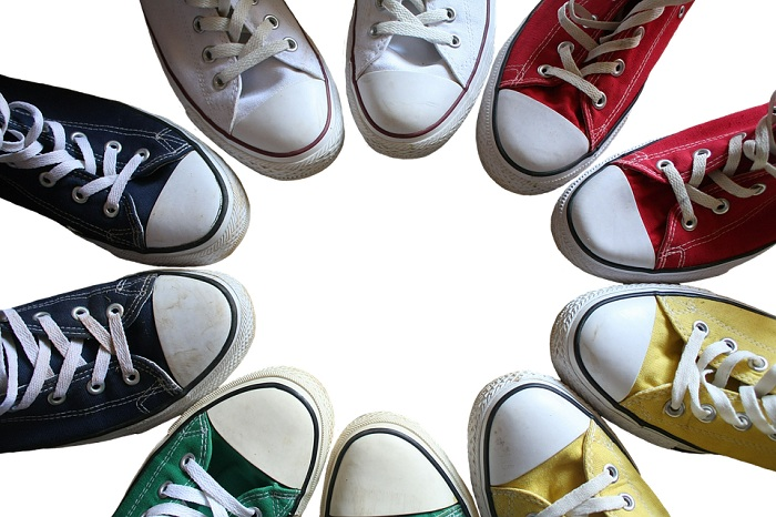 Giày thê thao Trung Quốc dành cho cả nam và nữ với nhiều mẫu mã