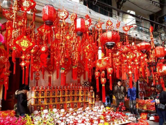 Nên đầu tư nguồn vốn vào đèn lồng trang trí Tết từ Trung Quốc